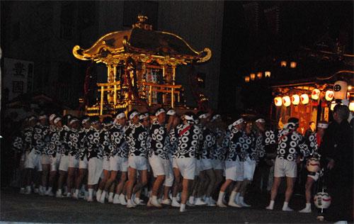 黄金の神輿