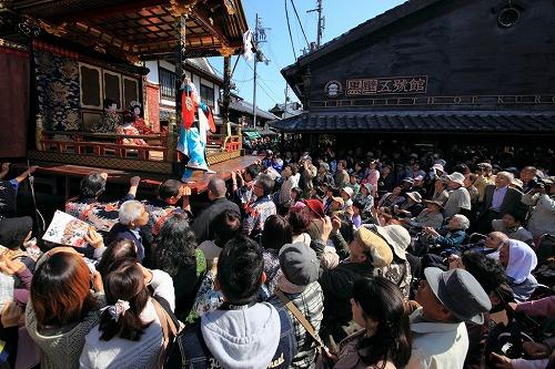 街角の観衆